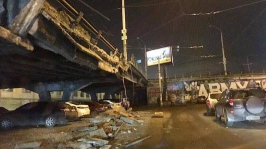 Обвал Шулявского моста: какая ситуация на трассах